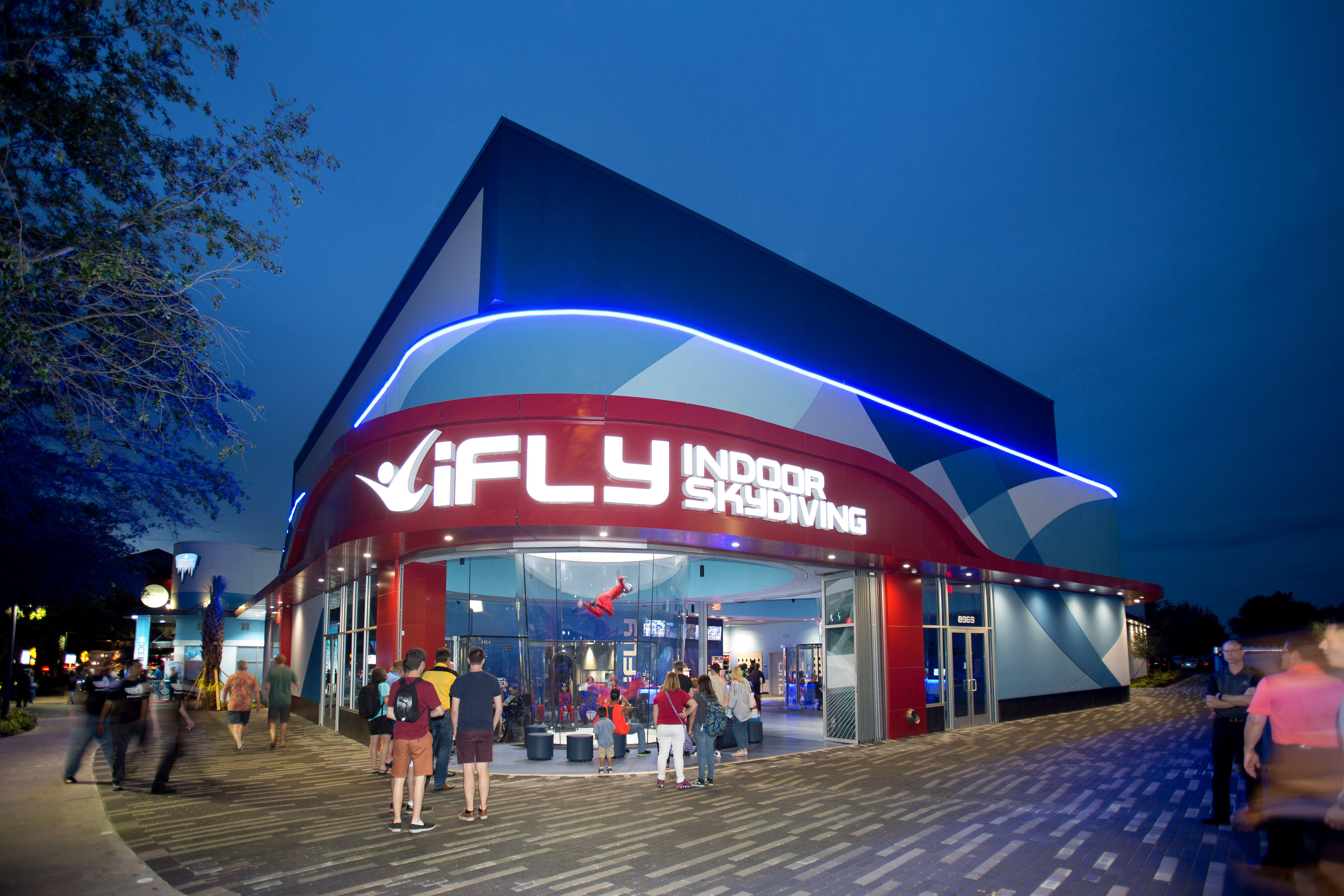 iFly storefront design with NanaWall HSW