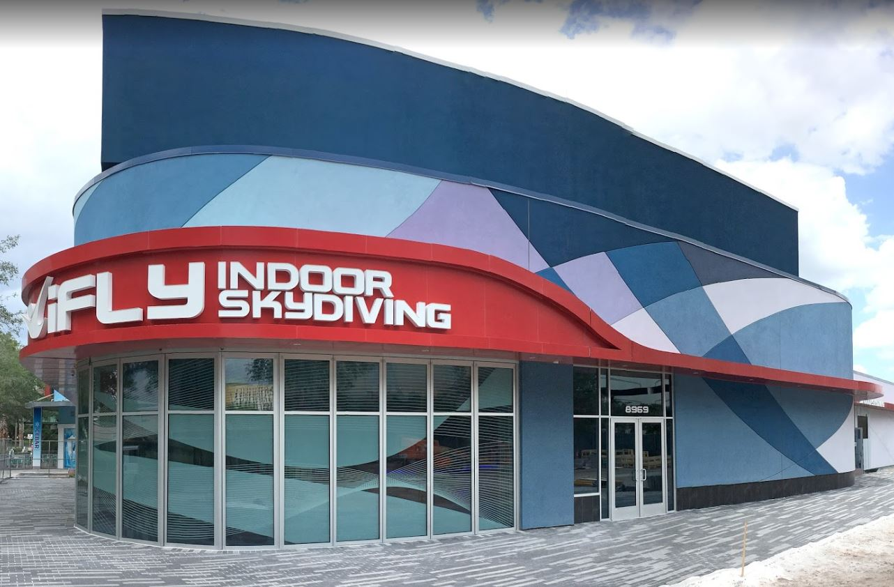 iFly storefront closed with NanaWall HSW