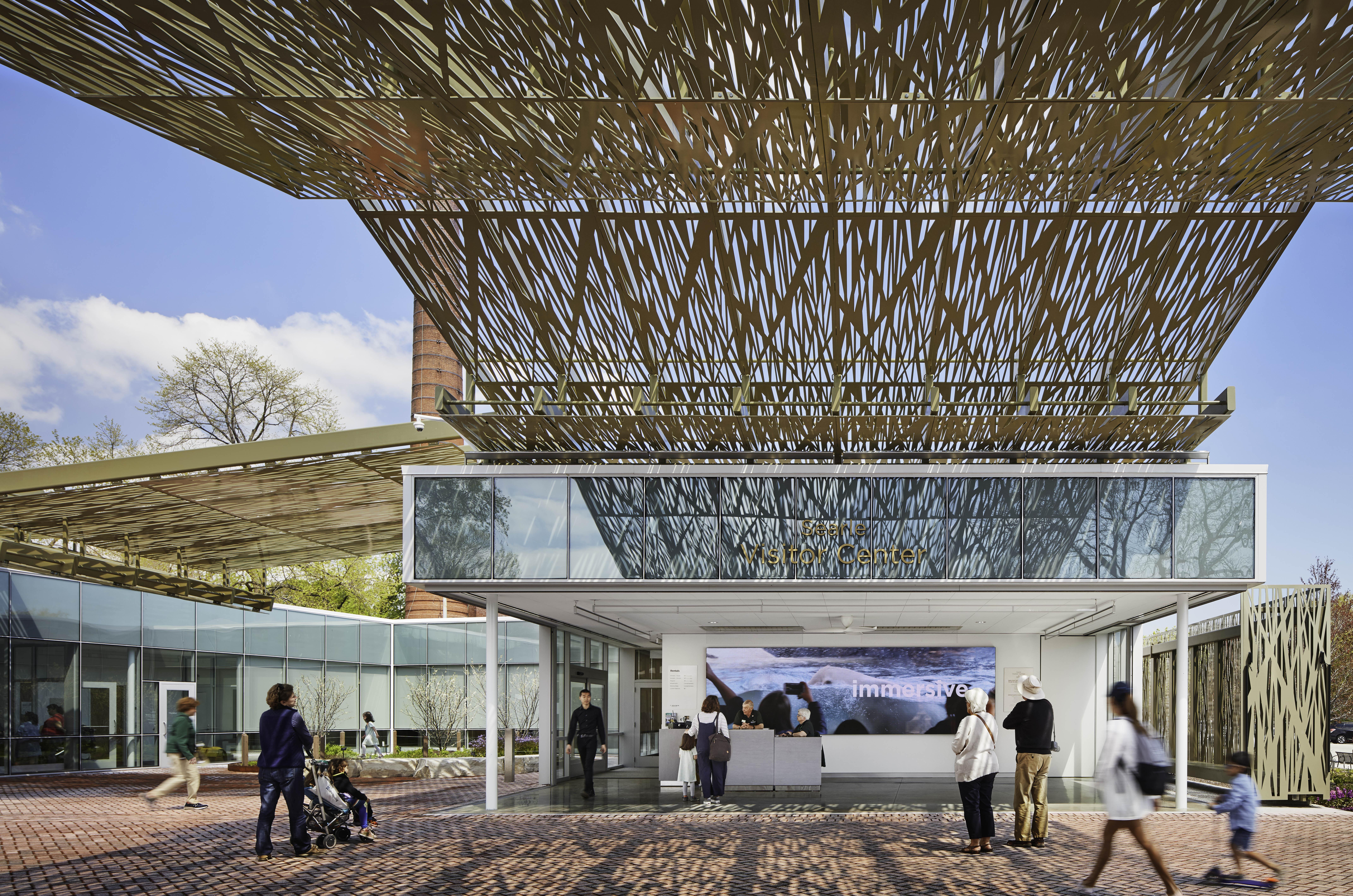 Sliding glass walls that completely disappear at Lincoln Park Zoo's Visitor Center