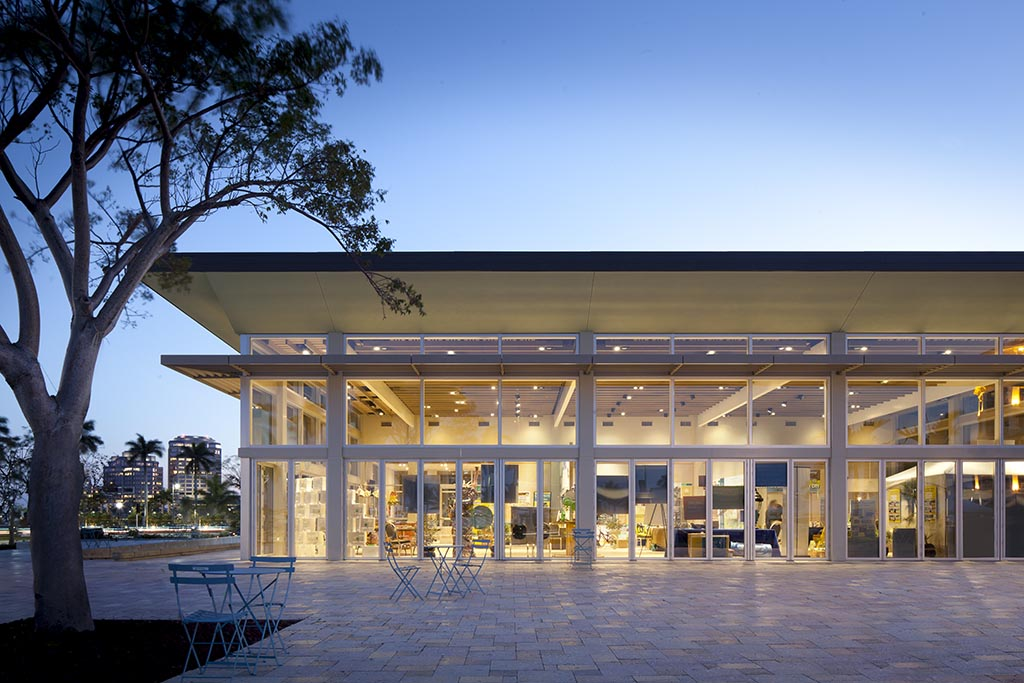 continuing education classes for architects on large opening glass walls