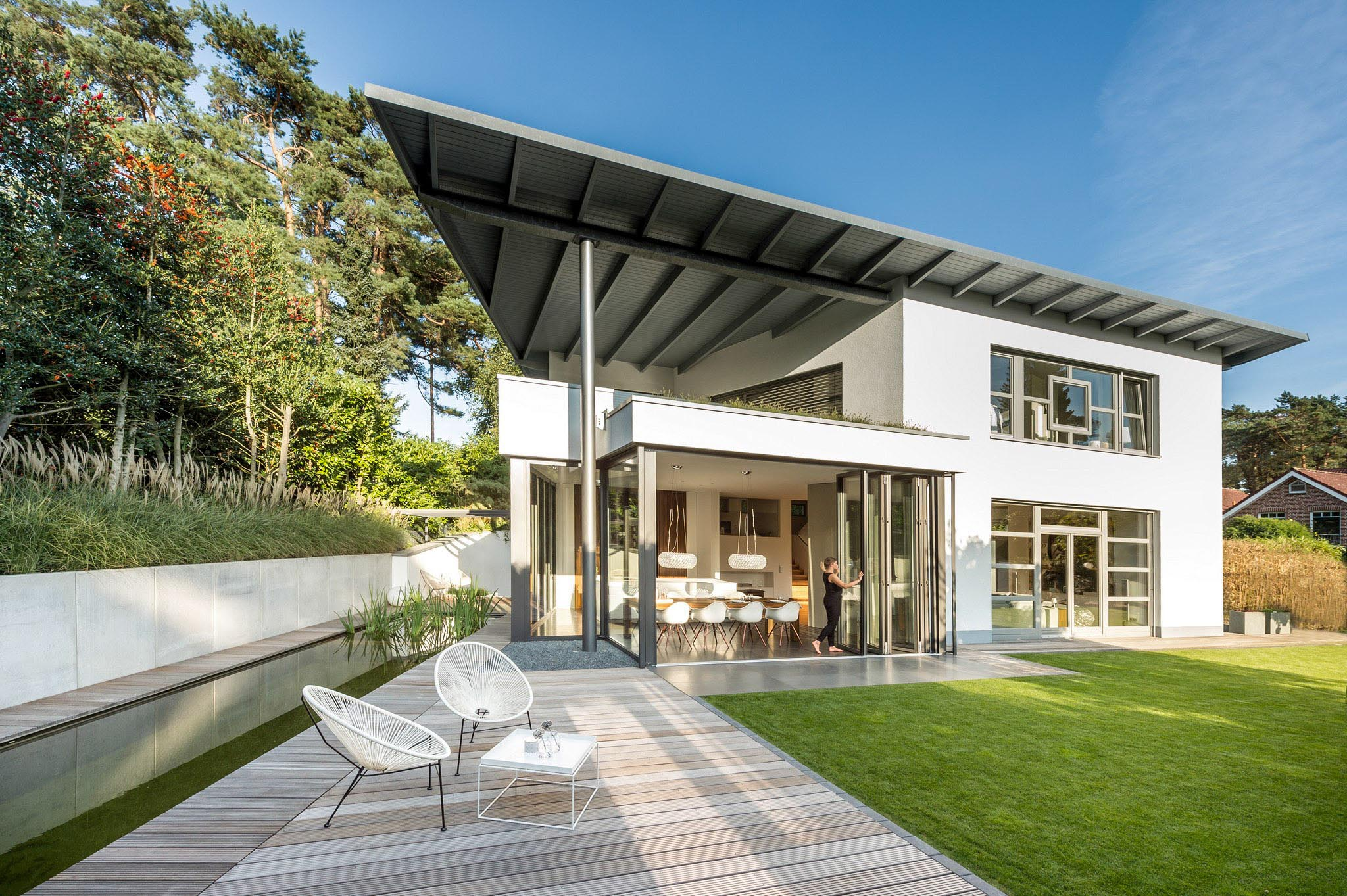 contemporary homes with next generation folding glass wall