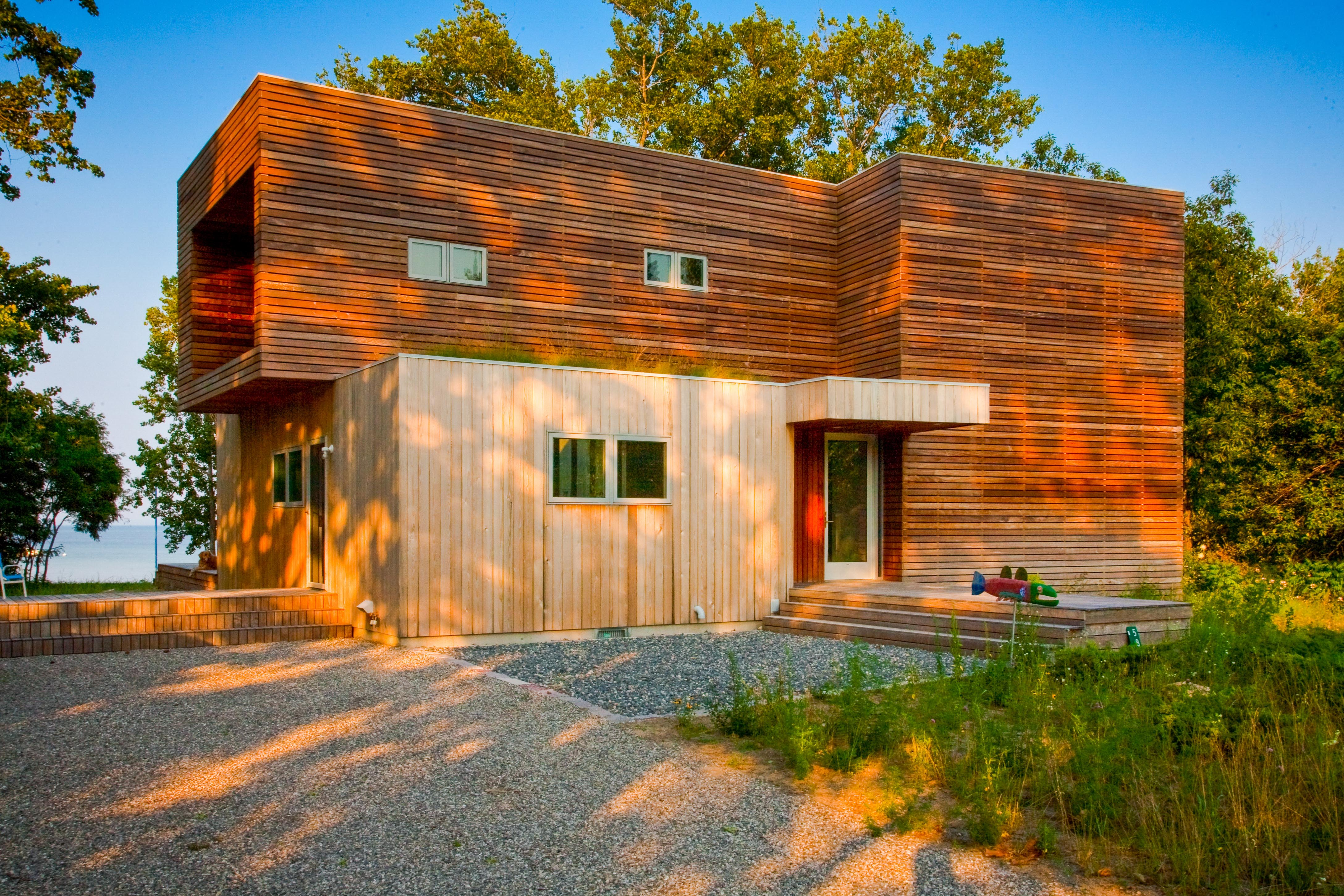 Exterior-of-Sustainable-Residence