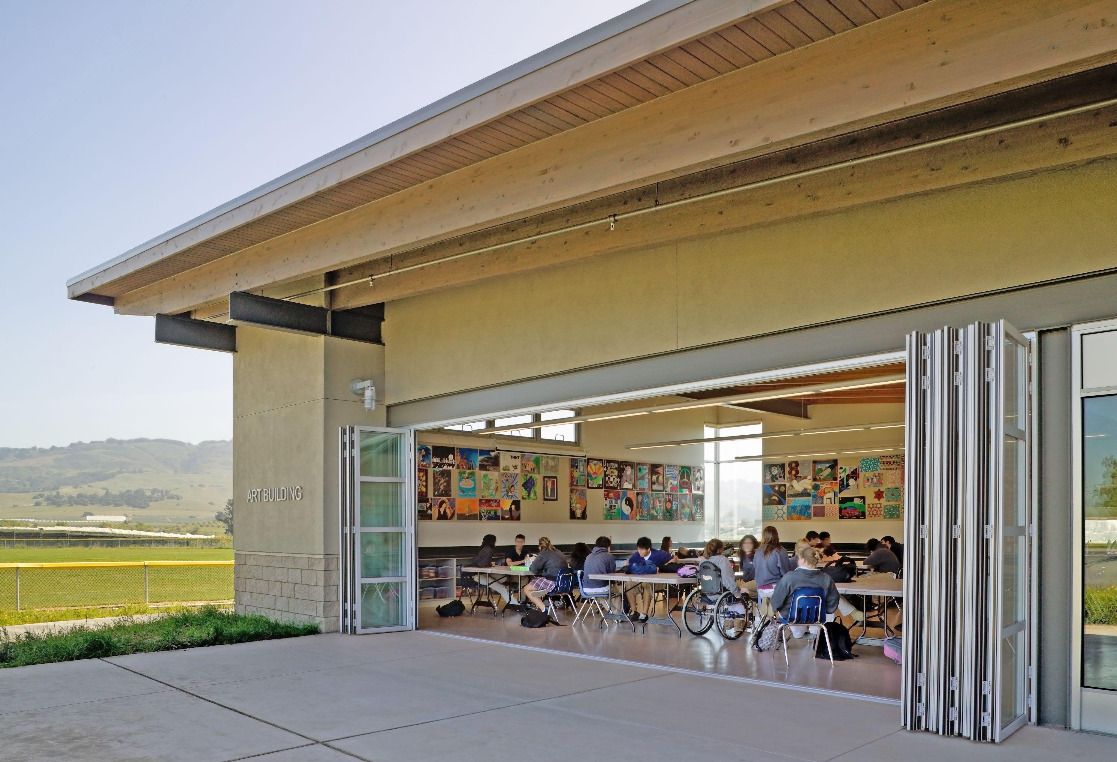 NanaWall-folding-door-transforms-a-classroom