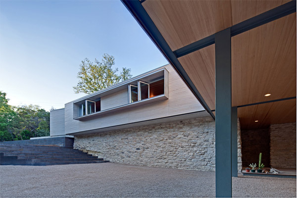 Treehouse home in Austin with NanaWall operable windows