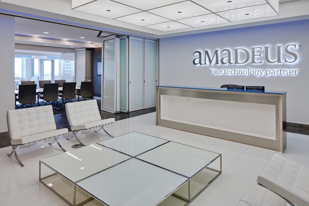 Amadeus office with operable glass wall partition