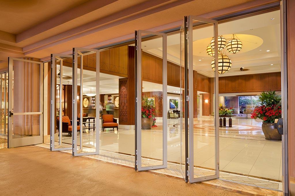 Honua Kai Hokulani lobby with folding glass paired panels