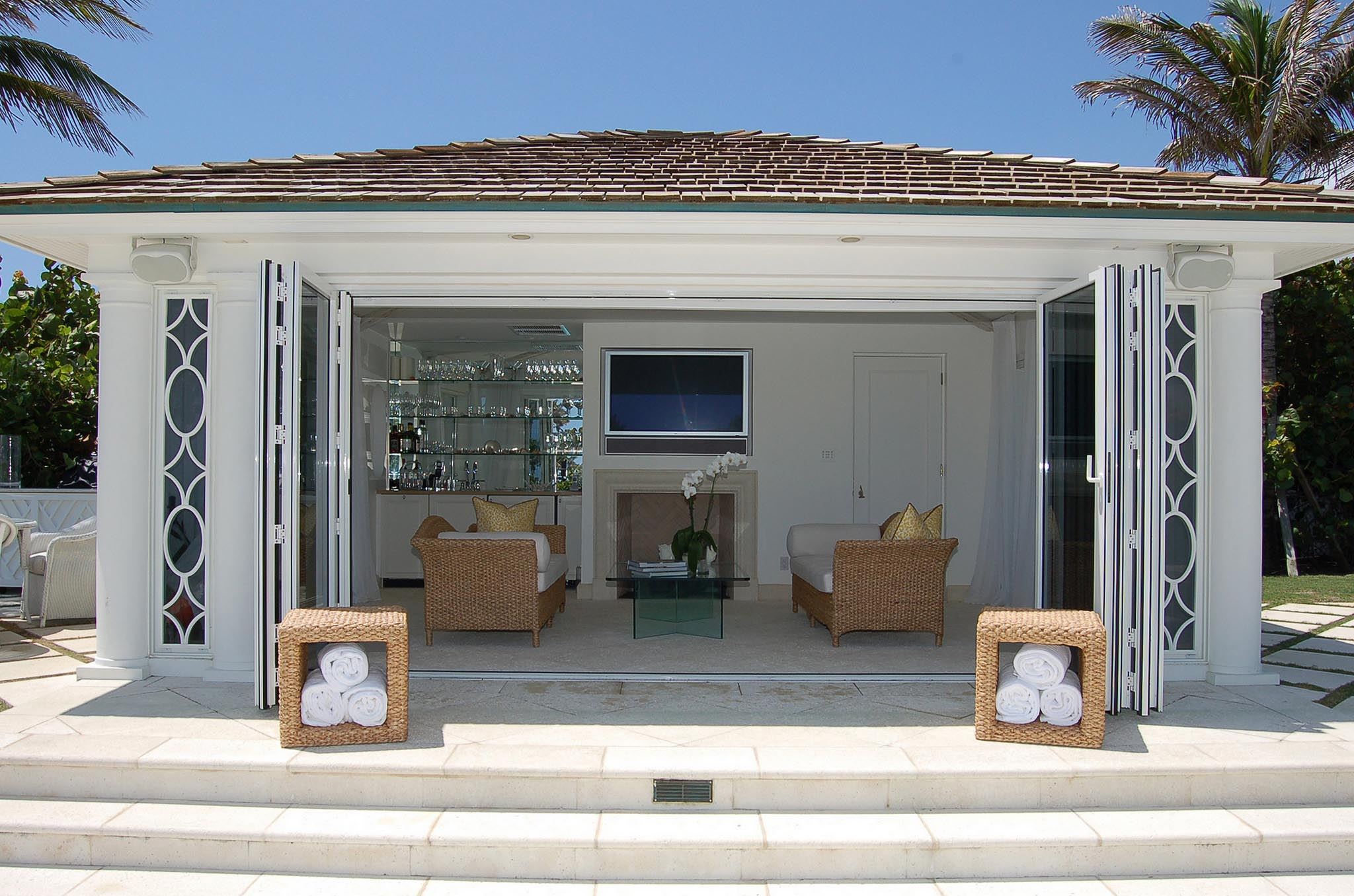 Cabana / Pool House | NanaWall
