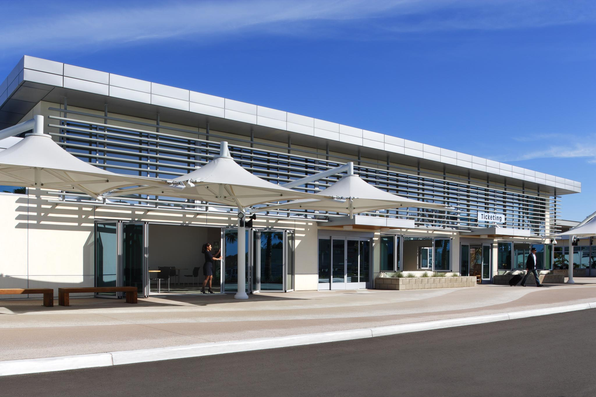 ... Airport - SL60 - Gallery   NanaWall - Operable Glass Wall Systems