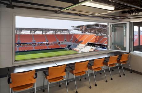 Bbva compass stadium houston dynamo nanawall for Cost of nanawall systems